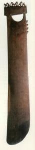Guarát: fából faragott hosszú deszkalapát Kr.e. 300-ból Peruból