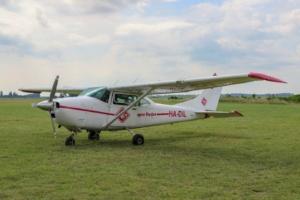 Tandemugrás - Cessna 182 repülőgép